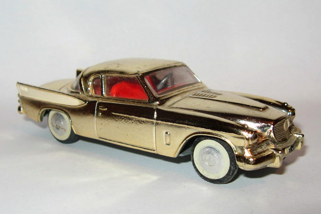 211S STUDEBAKER GOLDEN HAWK.jpg