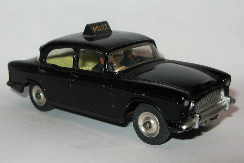 256 HUMBER HAWK POLICE CAR.jpg