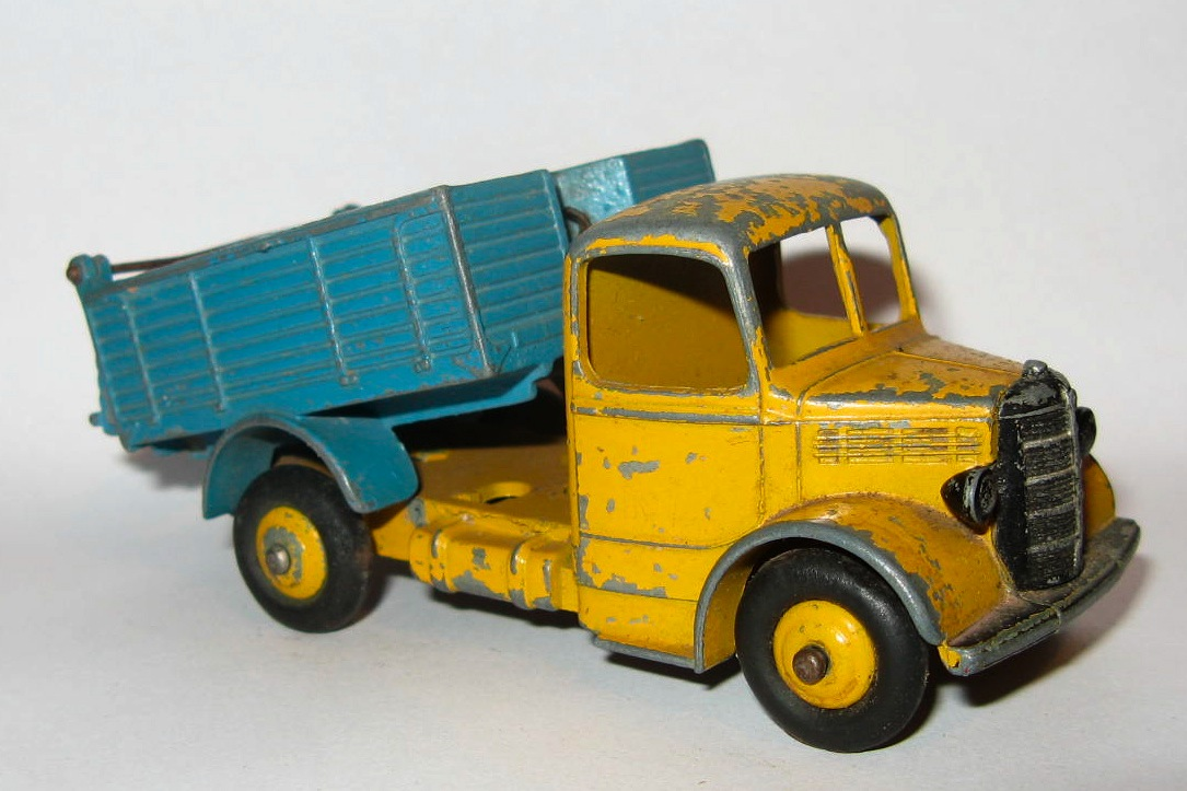 25M Bedford End Tipper.jpg