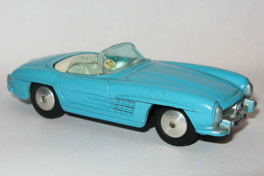 303 MERCEDES BENZ 300SL ROADSTER.jpg