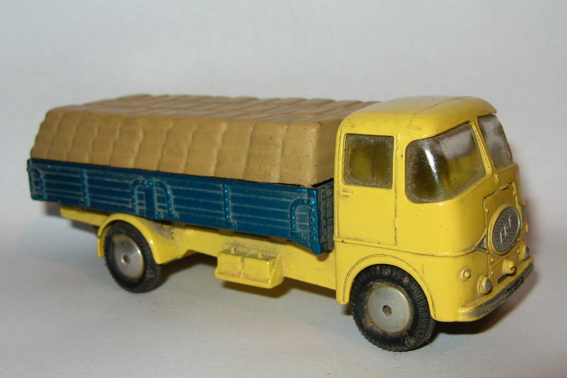 456 ERF DROPSIDE LORRY.jpg